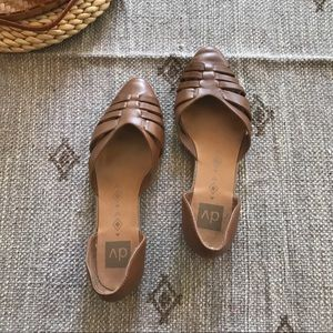 DV dolce vita brown Pointed Toe Huarache d' Orsay